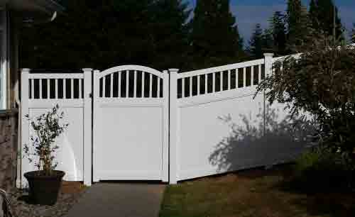 Vinyl fencing is strong and durable and requires almost no maintenance over its lifetime. Vinyl fencing is very popular in Oregon because it comes in many different colors and styles and increases property value, while adding privacy and security and looks great in most neighborhoods in the area.